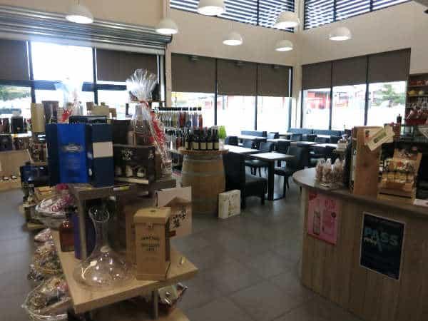 vu-interieur-magasin-comptoir-saveurs